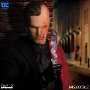 Two-Face – DC Comics – One:12 Collective – Mezco Toyz